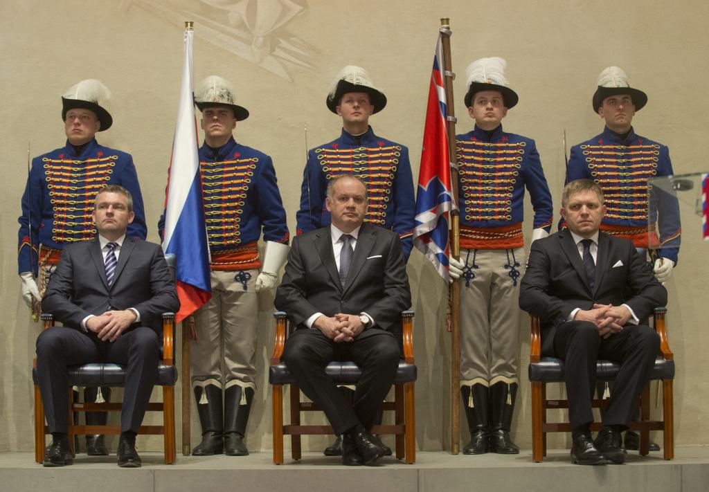 Andrej Kiska, Robert Fico a Peter Pellegrini počas odovzdávania vyznamenaní. Foto - TASR