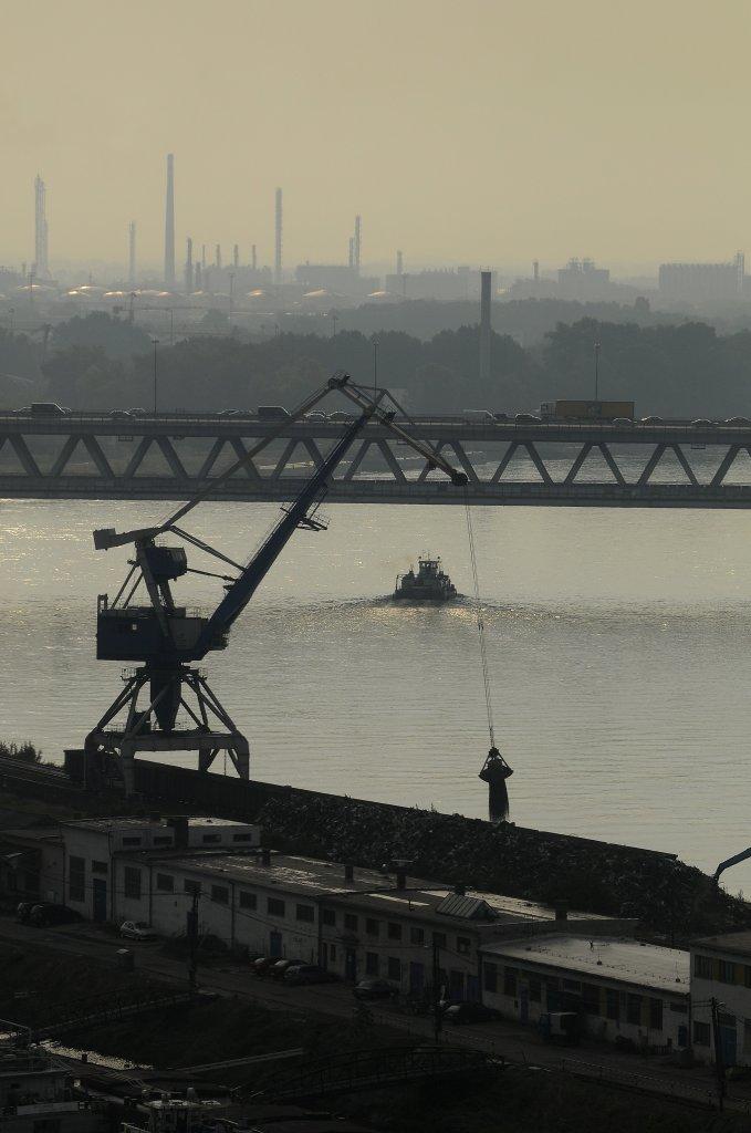Bratislavský prístav je miliónový prípad. Foto - TASR