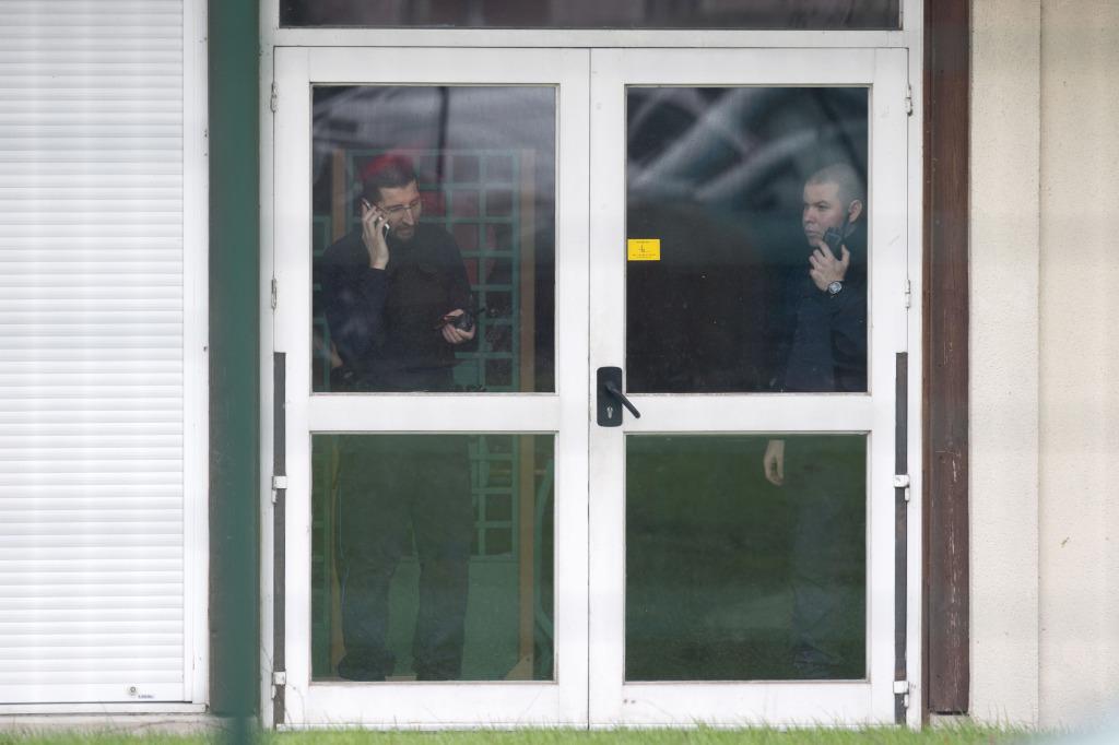 policajti škola pátranie páchatelia obete karikaturisti stre¾ba obete francúzsky satirický týždenník Charlie Hebdo páchate¾ bratia Said Chérif Kouachi