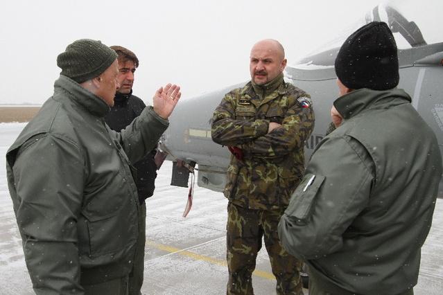 Pavel Bulant pôsobil ako šéf českého Národného úradu pre vyzbrojovanie. Dnes pracuje ako obchodný riaditeľ štátnej firmy Explosia.  Foto - MOČR