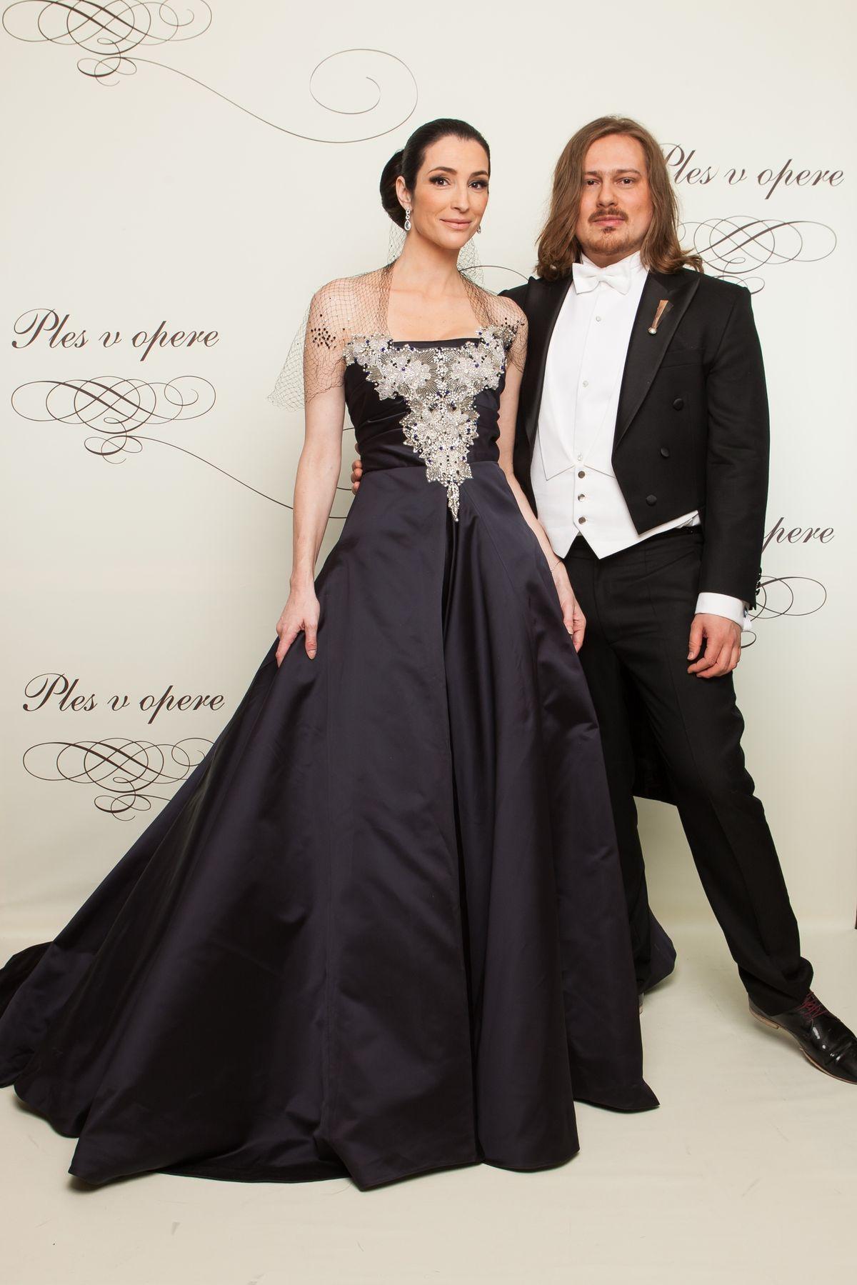 Boris Hanečka s Luciou Hablovičovou, pre ktorú už tradične robil plesové šaty.
