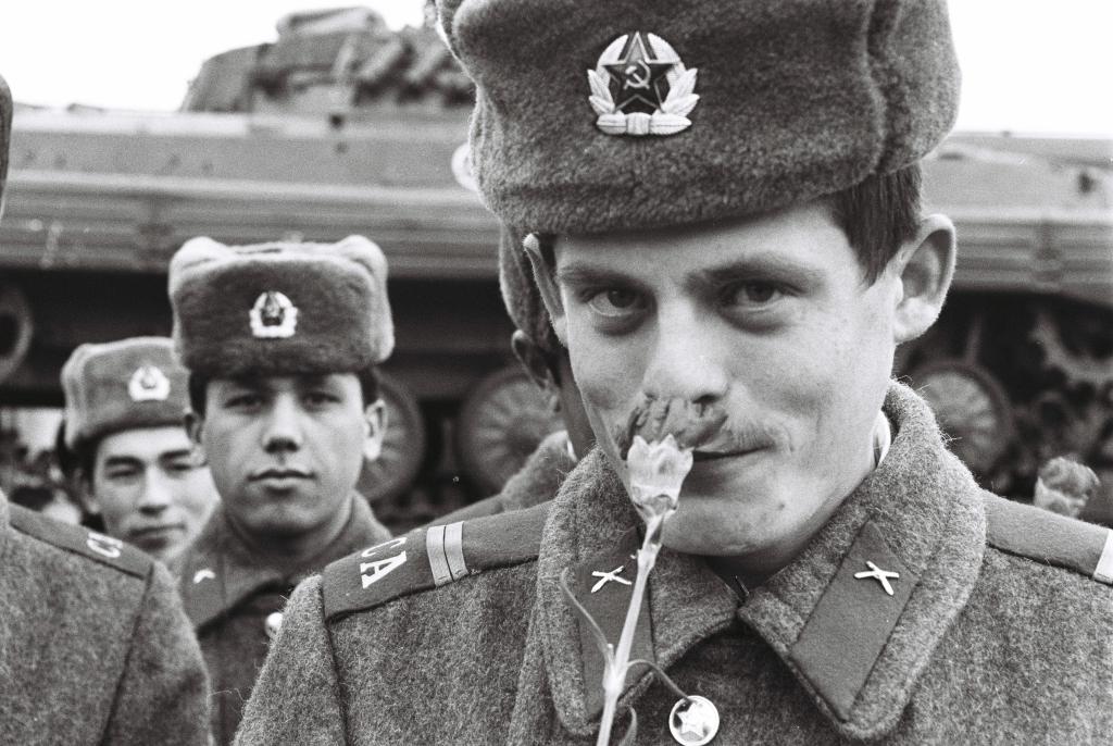 Mečiar sa podľa svedkov často stretával so sovietskymi vojakmi. Foto - TASR