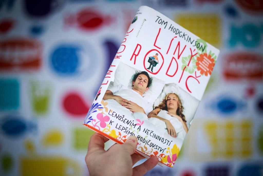 Zaujímavé a vtipné rady nájdu rodičia v knihe Lenivý rodič od Toma Hodgkinsona. Foto N - Tomáš Benedikovič