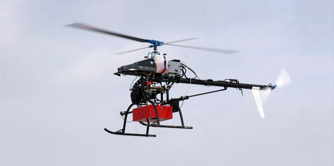 Prešovská univerzita si obdtrala helikoptéru Scout B1 - 100 od švajčiarskeho výrobcu Aeroscout. Dokáže letieť i plne autonómne a má dostatočnú nosnosť pre laserový skener. Foto - Š. Koco