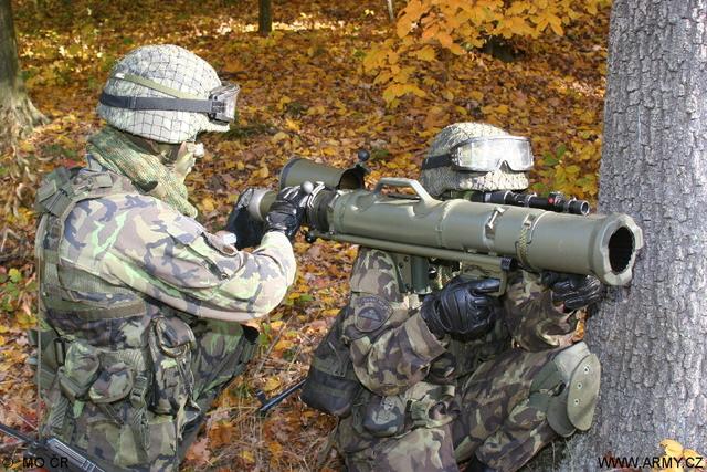 V Lešti sa bude strieľať aj zo švédskeho protitankového kompletu Carl Gustav. Foto - Army.cz