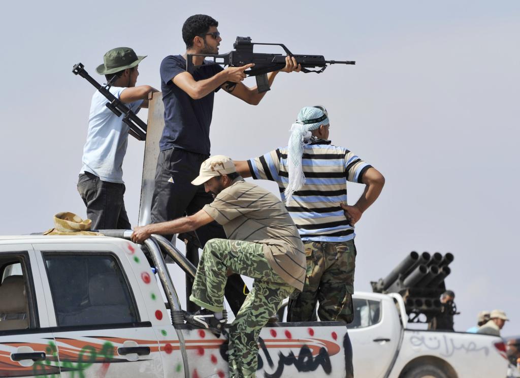 líbyjskí revoluèní bojovníci ažké boje predmestie Syrty