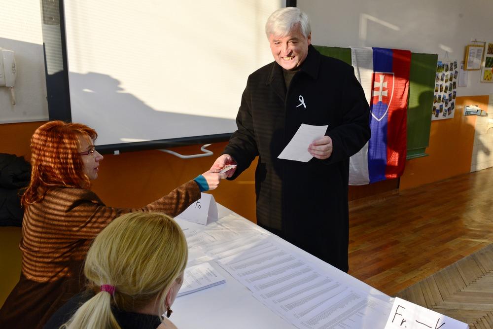 Ján Babjak hlasovanie miestnos na hlasovanie èlenovia komisia