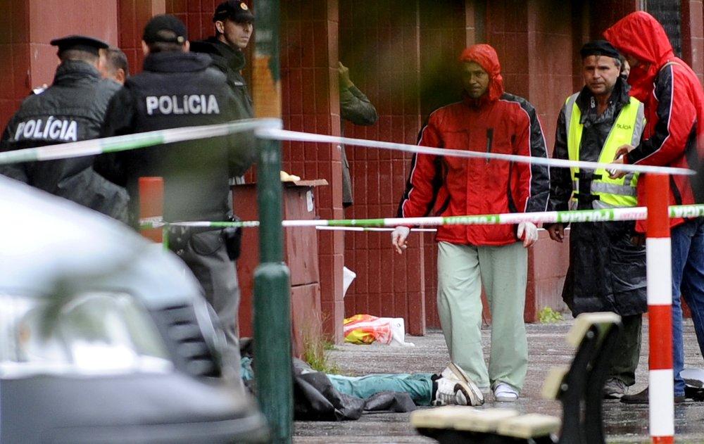 Ľubomír Harman zabil v auguste 2010 v Devínskej Novej Vsi sedem ľudí. Po zásahu od policajta ťažko zranený obrátil zbraň proti sebe. Foto - TASR