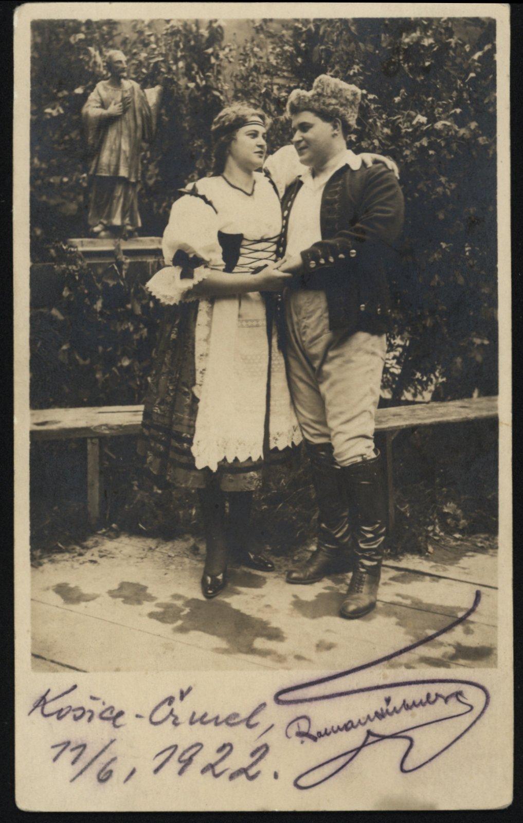 Zájazd opery SND sinscenáciou Bedřicha Smetanu Predaná nevesta do Košíc (Čermeľské údolie), 1922. Dobřena Šimáňová, Roman Hübner.
