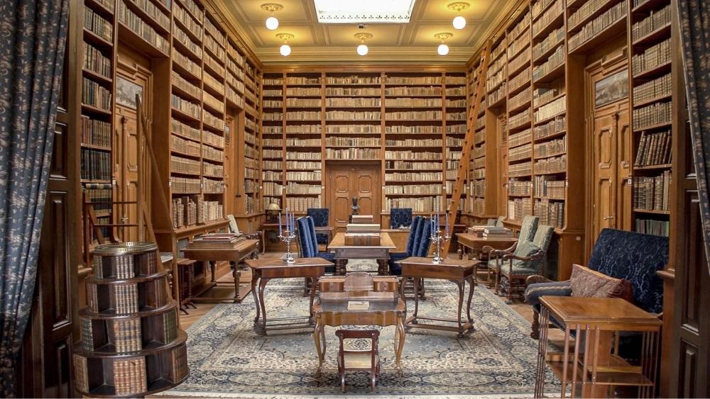 Knižnica v betliarskom kaštieli. Foto - Tomáš Hulík.