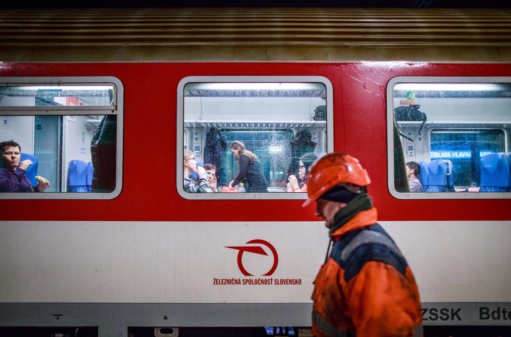 Po zavedení bezplatných vlakov prijali železnice zhruba 100 nových ľudí. Foto N - Tomáš Benedikovič