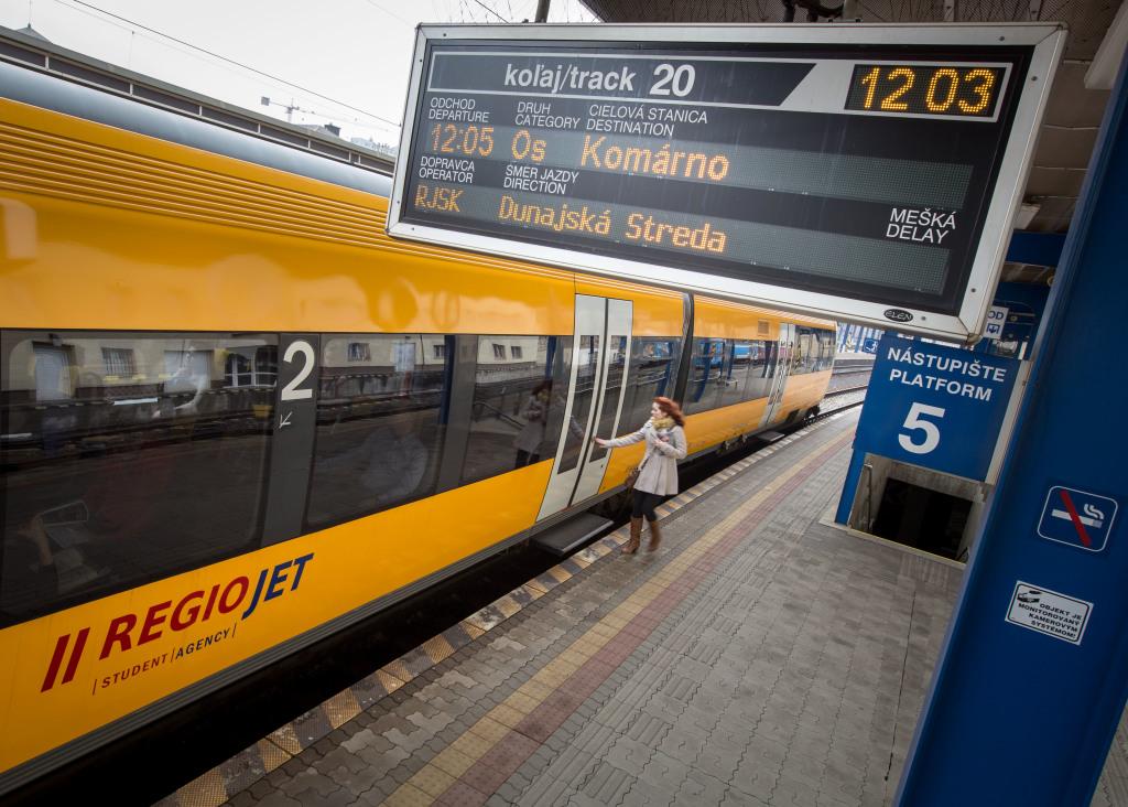 Súpravy si RegioJet väčšinou prenajíma od luxemburskej leasingovej firmy Alpha Trains. Foto N - Tomáš Benedikovič