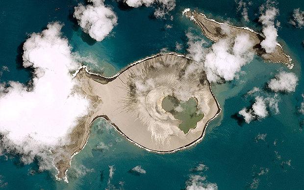 Satelitná snímka po erupcii. Foto - CNES