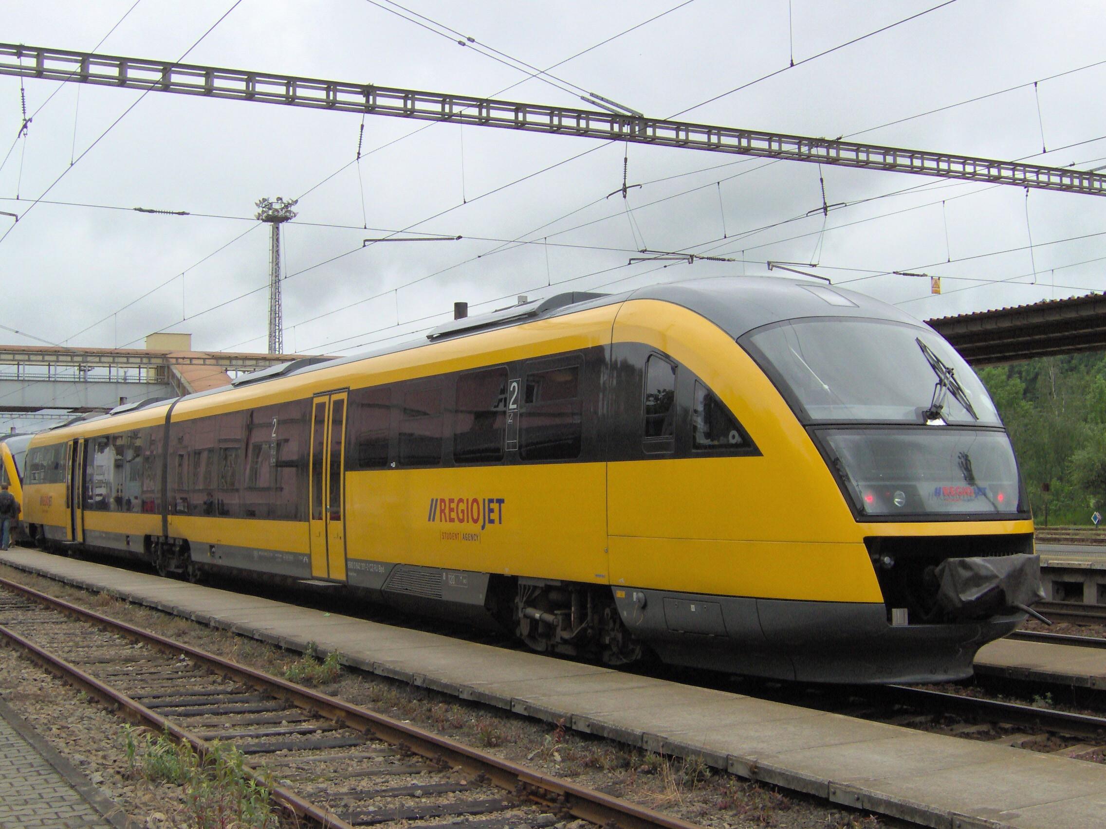 Od decembra 2013 RegioJet začal nasadzovať menšie súpravy Desiro. Foto - Wikipedia