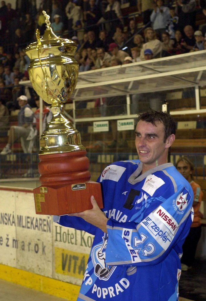 Aspoň ten Tatranský pohár vyhral. Foto - TASR