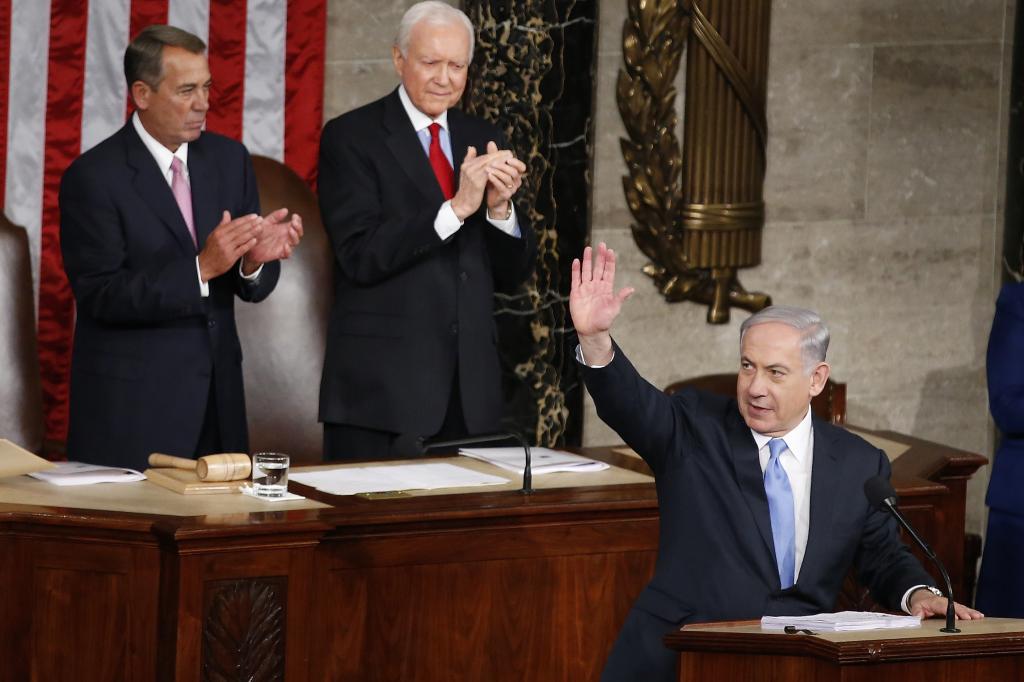 Izraelský premiér Benjamin Netanjahu minulý týždeň v Kongrese krizitoval Obamov postoj. Pozvali ho tam republikáni. FOTO - TASR/AP