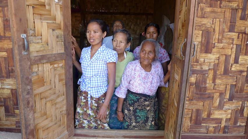 Väčšina obyvateľov krajiny žije v skromných podmienkach, často v dedinách, do ktorých stále nevedú cesty. FOTO - AUTORKA