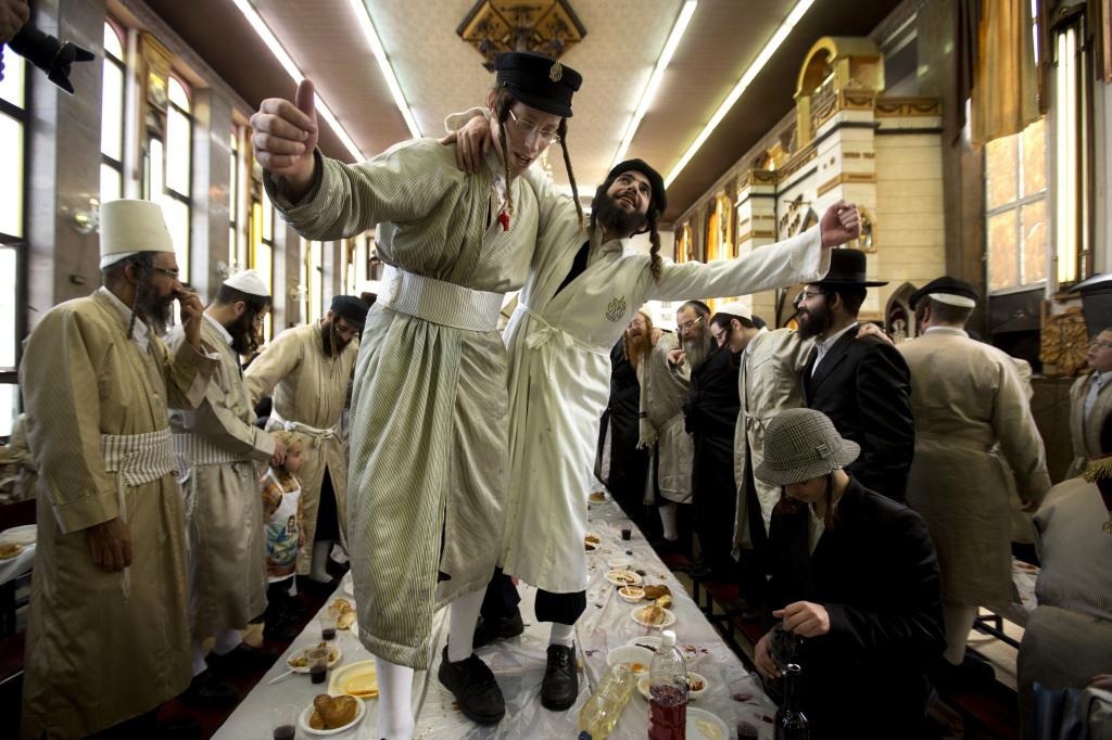 Oslava Purimu zvykne byť bujará. Foto - AP