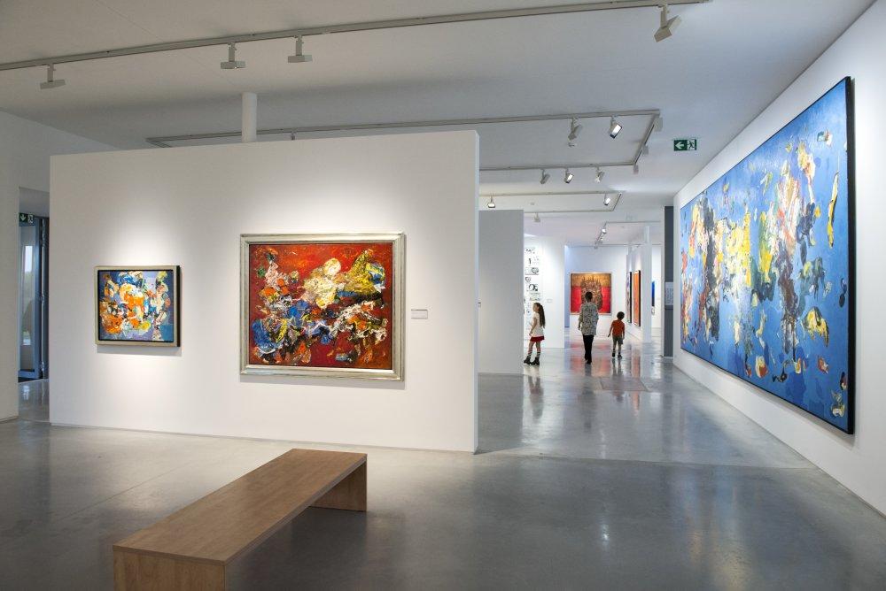 V stálej expozícii sú diela zo zbierky holandského zakladateľa galérie Gerarda Meulensteena. Foto - Richard Kohler.