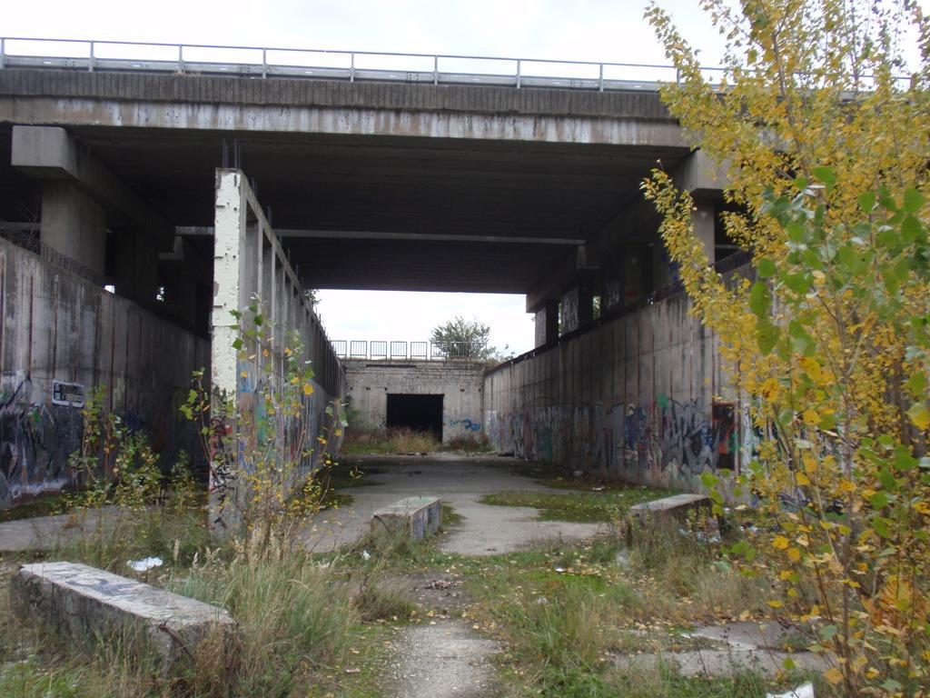 Tunel na juhu Petržalky v oblasti Janíkovho dvora pripomína sen o bratislavskom metre. Foto - Archív P. Martinka