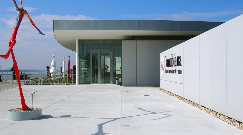 Vstup do Danubiany, ktorým sa vchádza do nových priestorov múzea. Foto - Ján Kukuľa.
