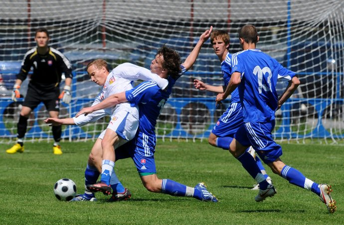 Roku 2010 hrali naši mladíci na slovakia cupe s českom o bronz. v