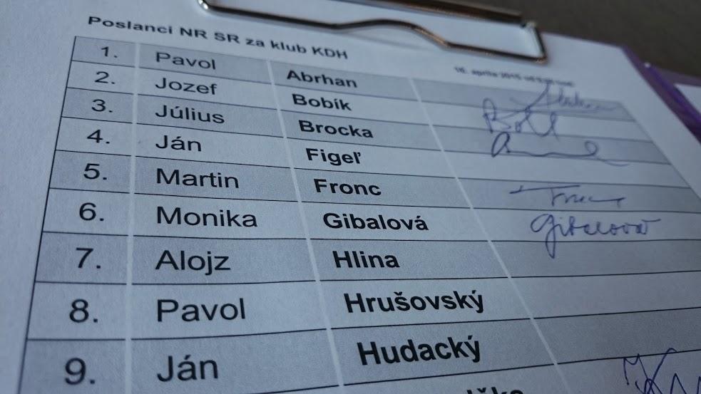 Odvolávaný podpredseda parlamentu Ján Figeľ v parlamente nie je. Foto N - Miro Kern