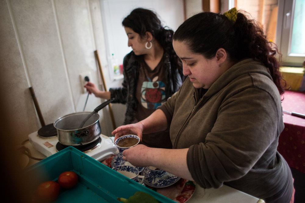 Dvojičky Mária a Marcela, ktorá dostala po hlave ako posledná. Štvrtá Saskia žije v inom meste.