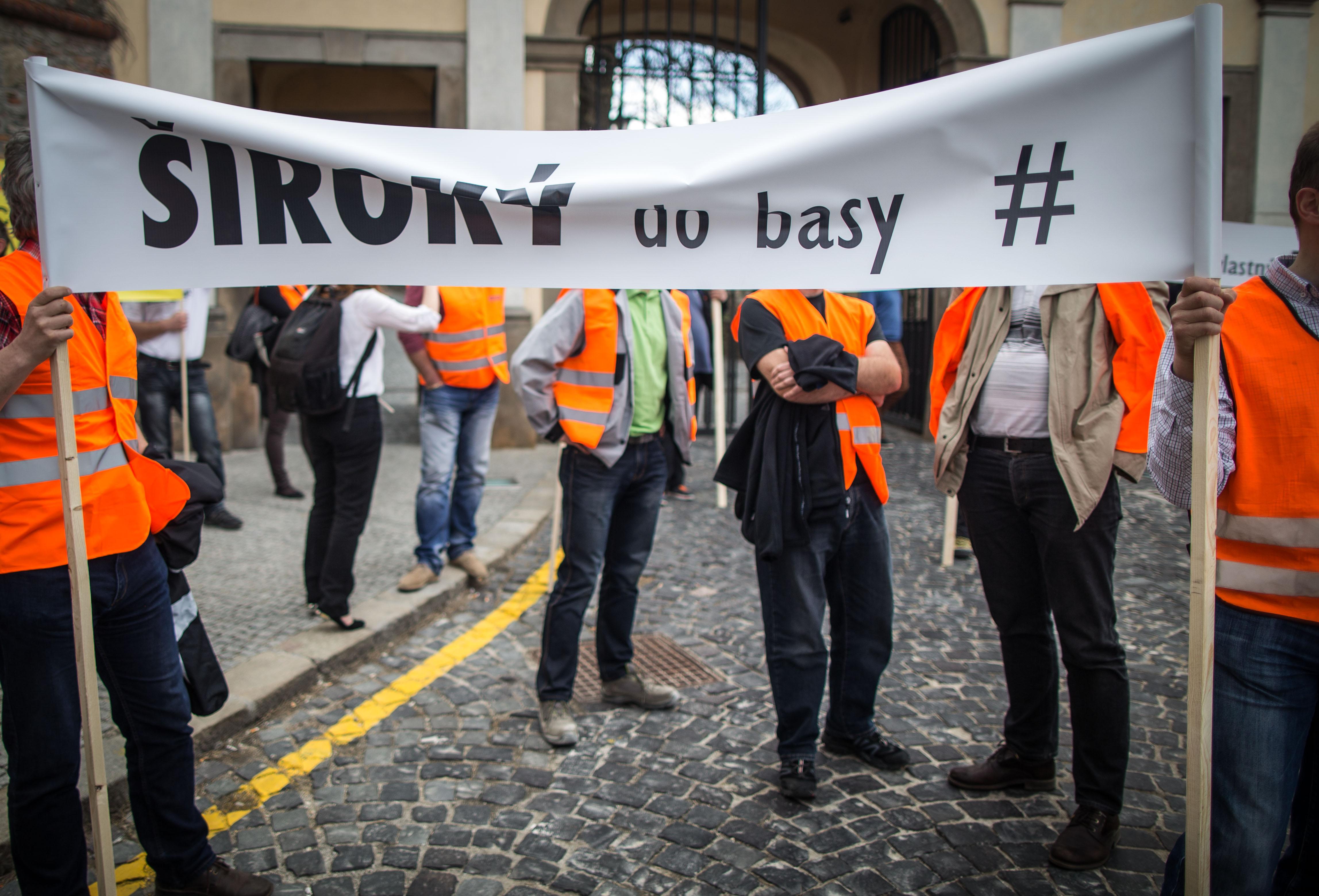 Reakciu premiéra si nevyplatení stavbári vynútili aj protestmi. Foto N - Tomáš Benedikovič