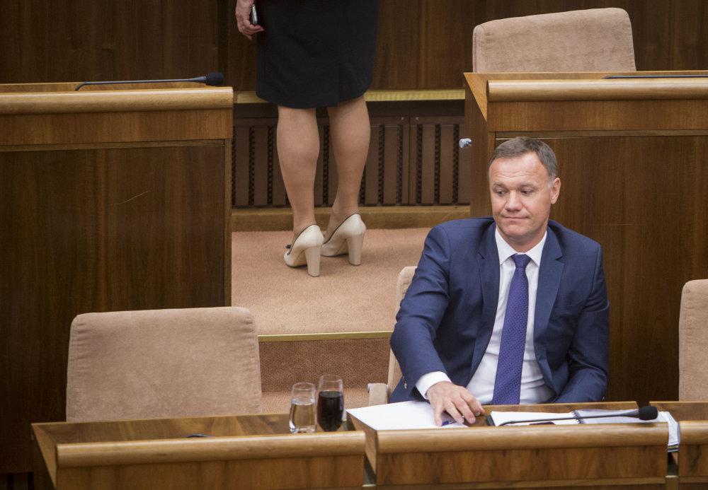 Minister Čislák je vo funkcii od jesene, už ho chcú odvolať. Foto N - Tomáš Benedikovič