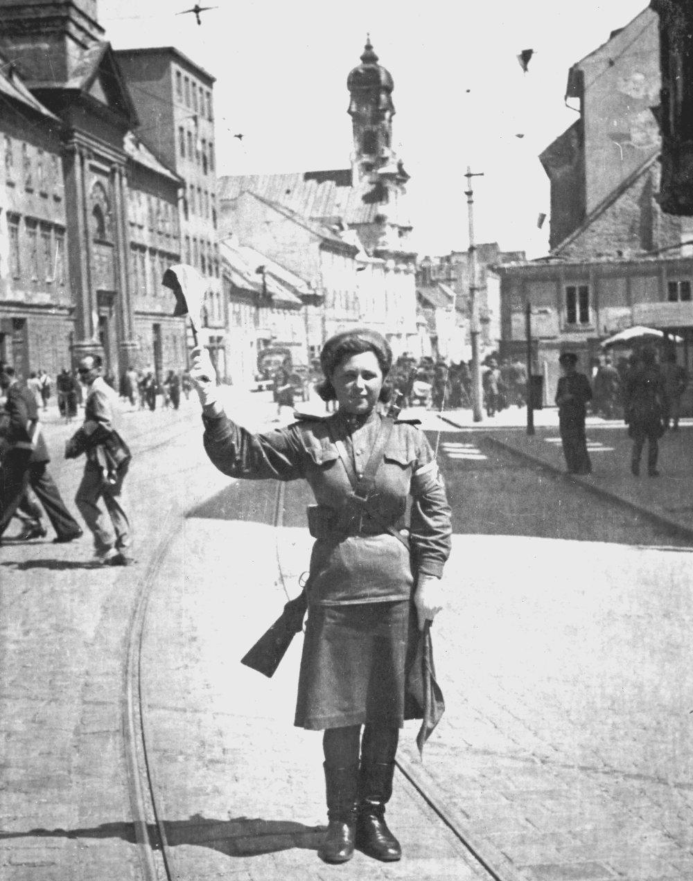 Regulovčíčka Červenej armády v Bratislave. FOTO - VOJENSKÝ HISTORICKÝ ÚSTAV
