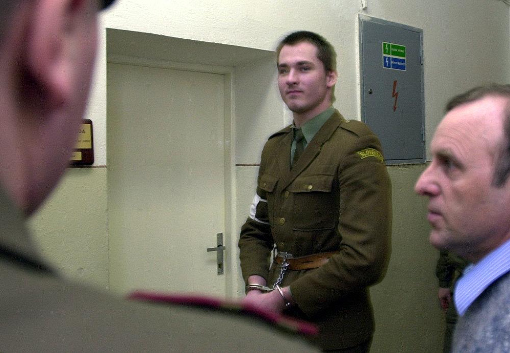 Peter Bandúr počas vojenského súdu. Dostal sedem rokov, odsedel si štyri. Foto - Tasr