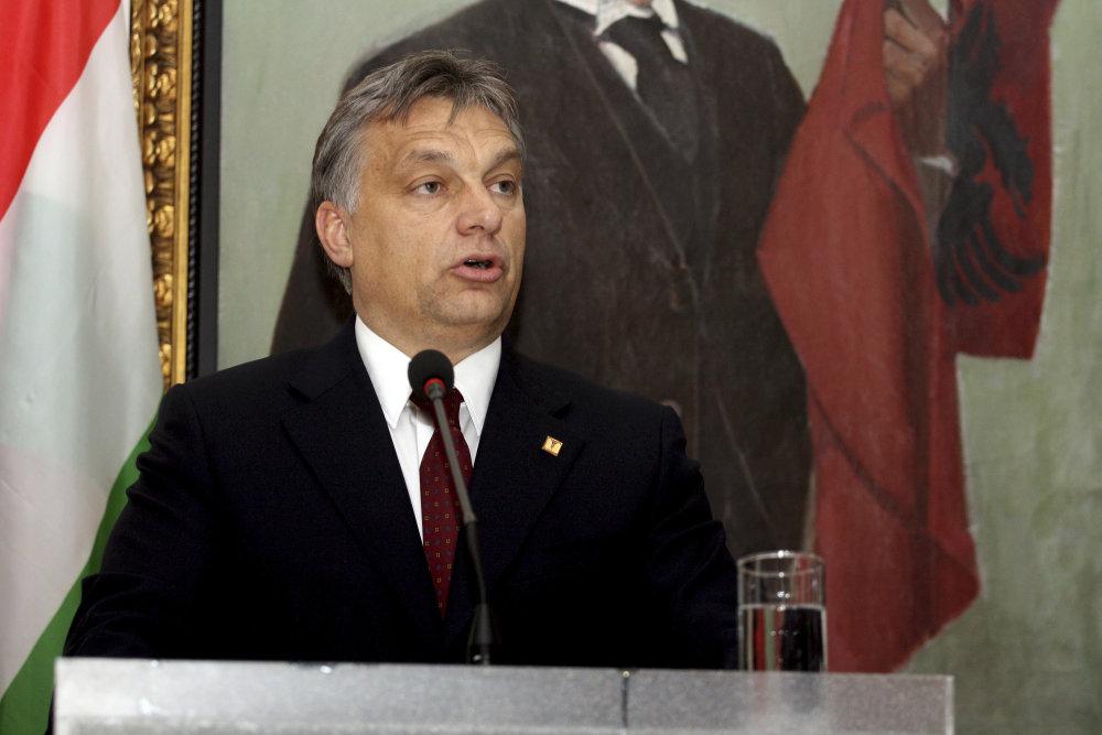 Rakúski herci sa boja o demokraciu v Orbánovom Maďarsku. Foto - AP