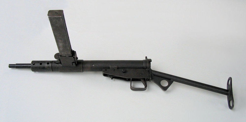 1280px-Pistolet_maszynowy_STEN,_Muzeum_Orła_Białego