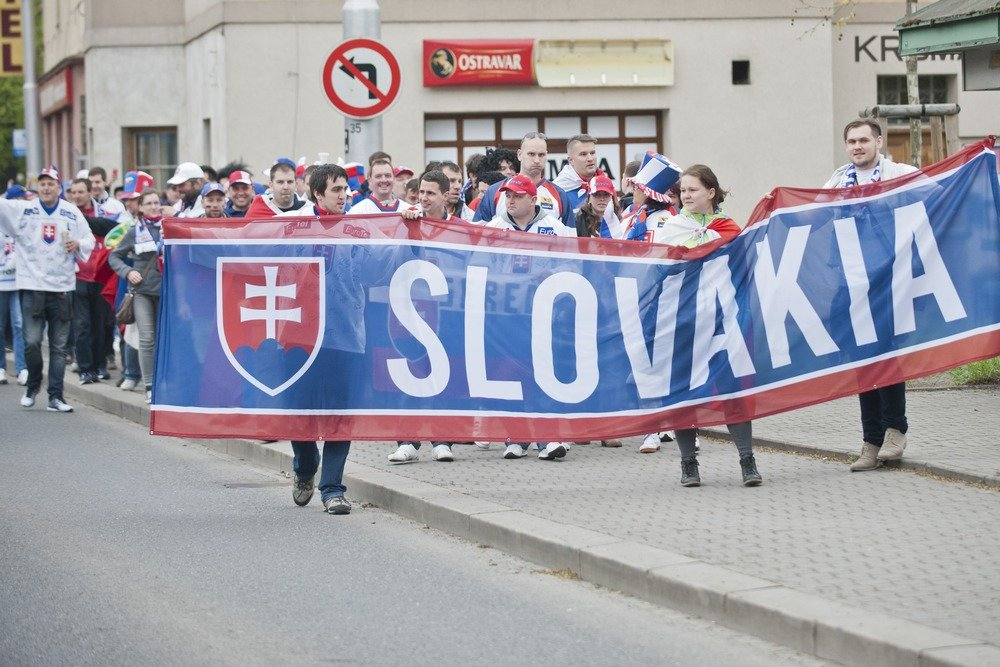 Stretnutie a pochod slovenských fanúšikov v Ostrave