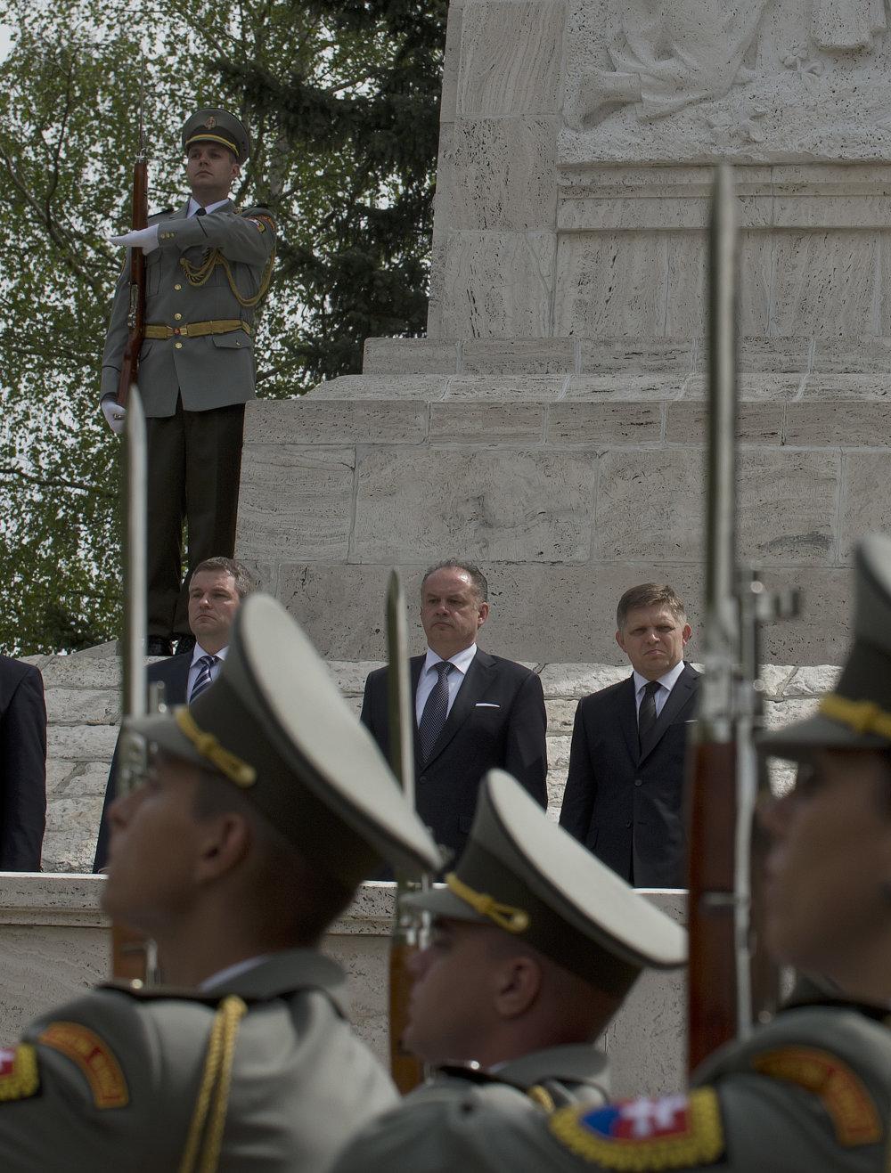 Najvyšší predstavitelia štátu na spomienke v Liptovskom Mikuláši. Foto - TASR