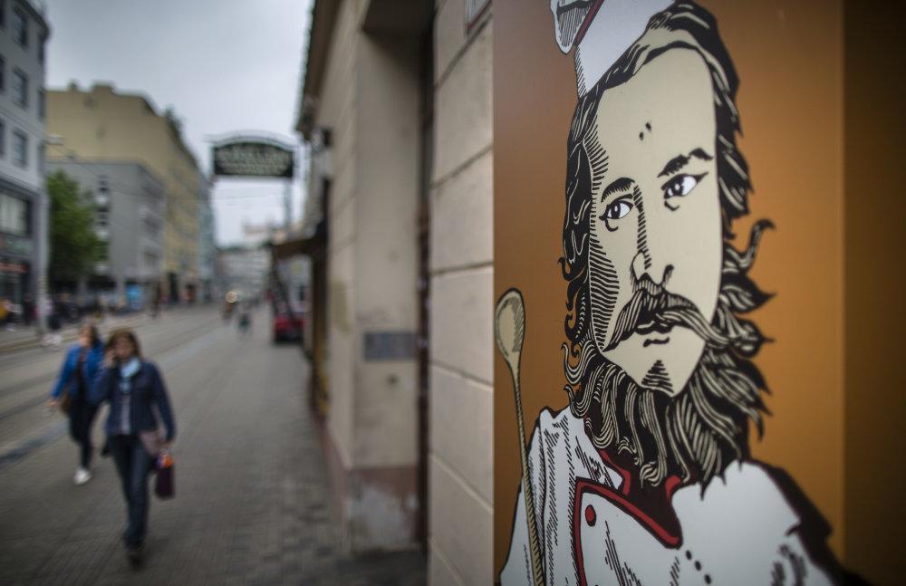 Poradiť si so slovenčinou nie je ľahké. foto N - Tomáš Benedikovič