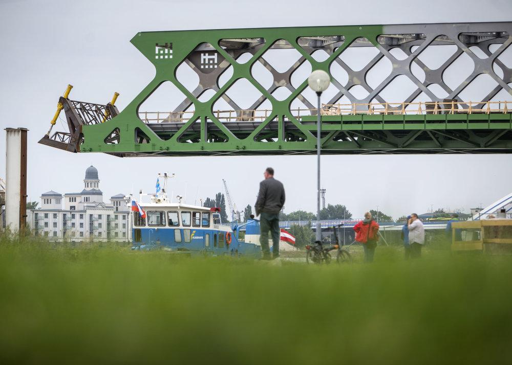 Bratislava, 25.5. 2015. Stavba Starého mosta. Foto N - Tomáš Benedikovič