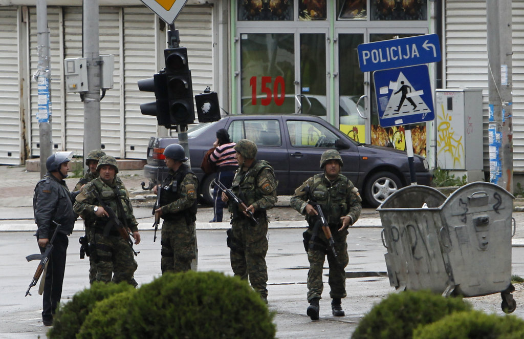 Pri operácii v Kumanove zomrelo osem policajtov. FOTO - TASR/AP
