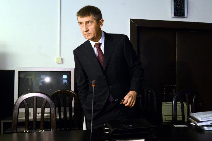 Andrej Babiš odchádza z pojednávania na Okresnom súde Bratislava I v januári 2014. Foto – TASR