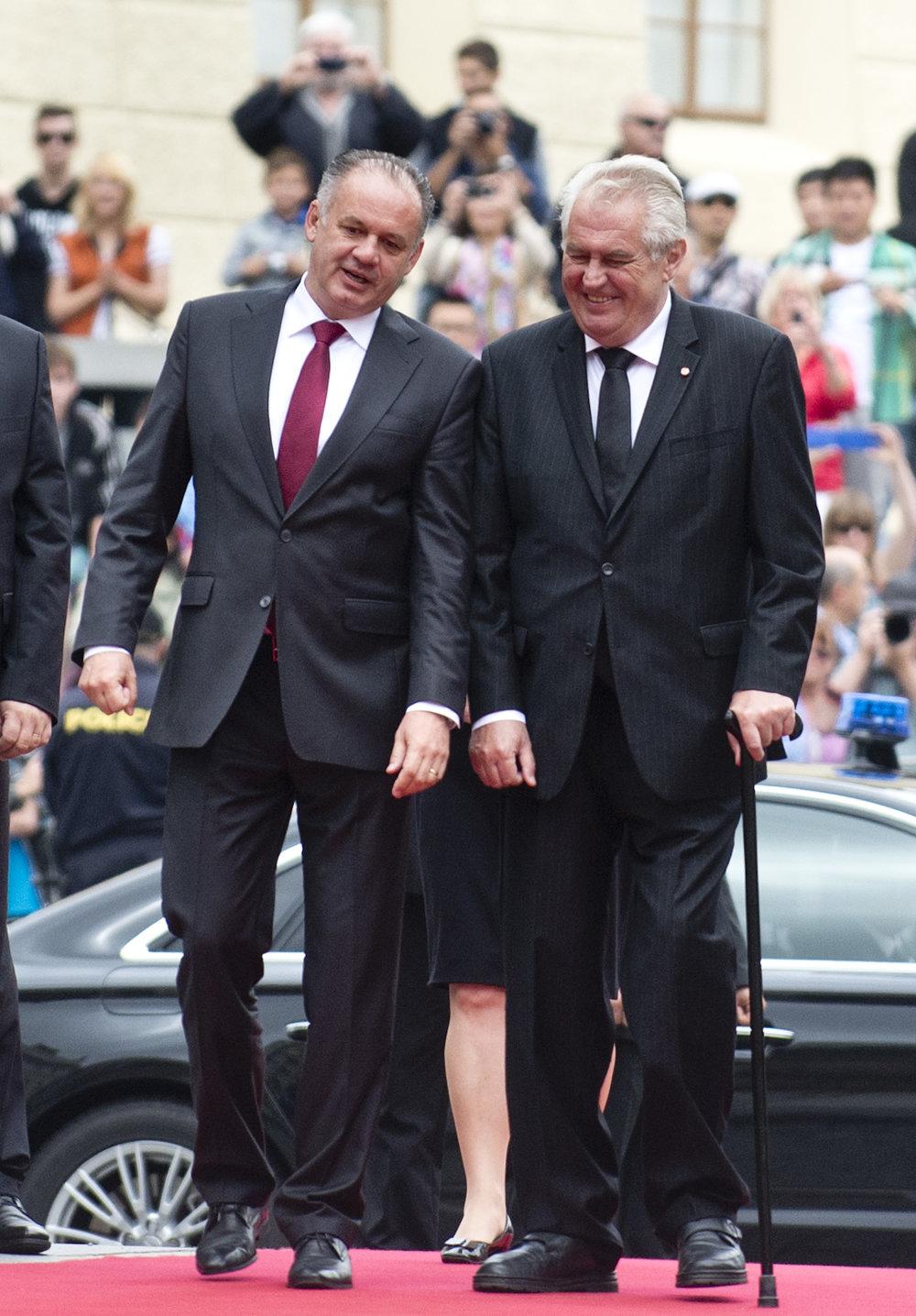 Andrej Kiska s českým prezidentom Milošom Zemanom pred rokom. Teraz bude oporu potrebovať Kiska. Foto - TASR