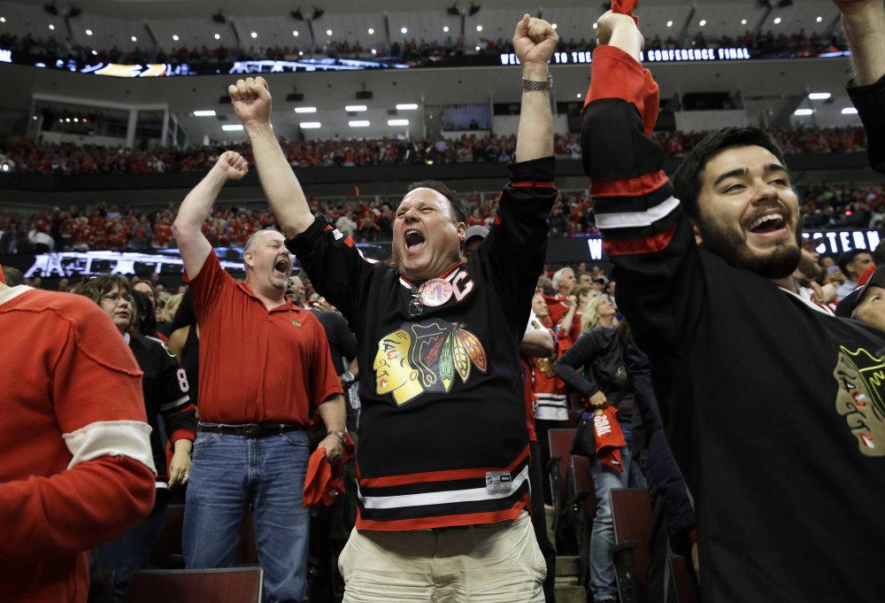 Vypredaná hala United Center sa už teší na finále. Foto - TASR/AP