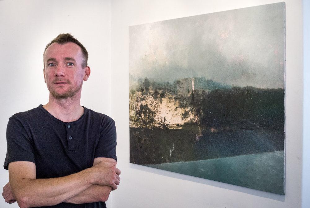 Výtvarník Rasťo Podoba v Stredoslovenskej galérii v Banskej Bystrici. Foto N - Tomáš Benedikovič