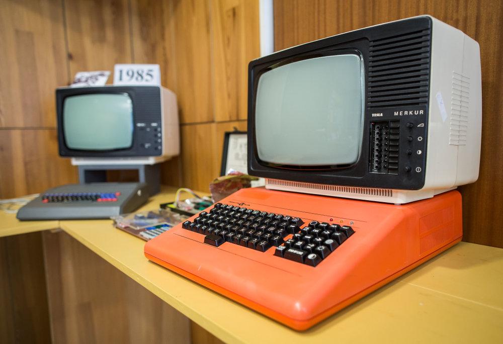 Počítač PMD 85. Foto N - Tomáš Benedikovič