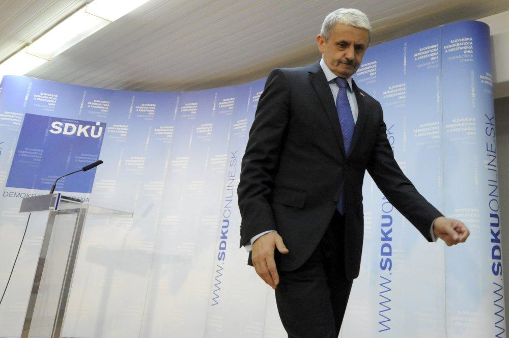 Dzurinda musel pre Fica z kandidátky SDKÚ odísť. Foto - TASR