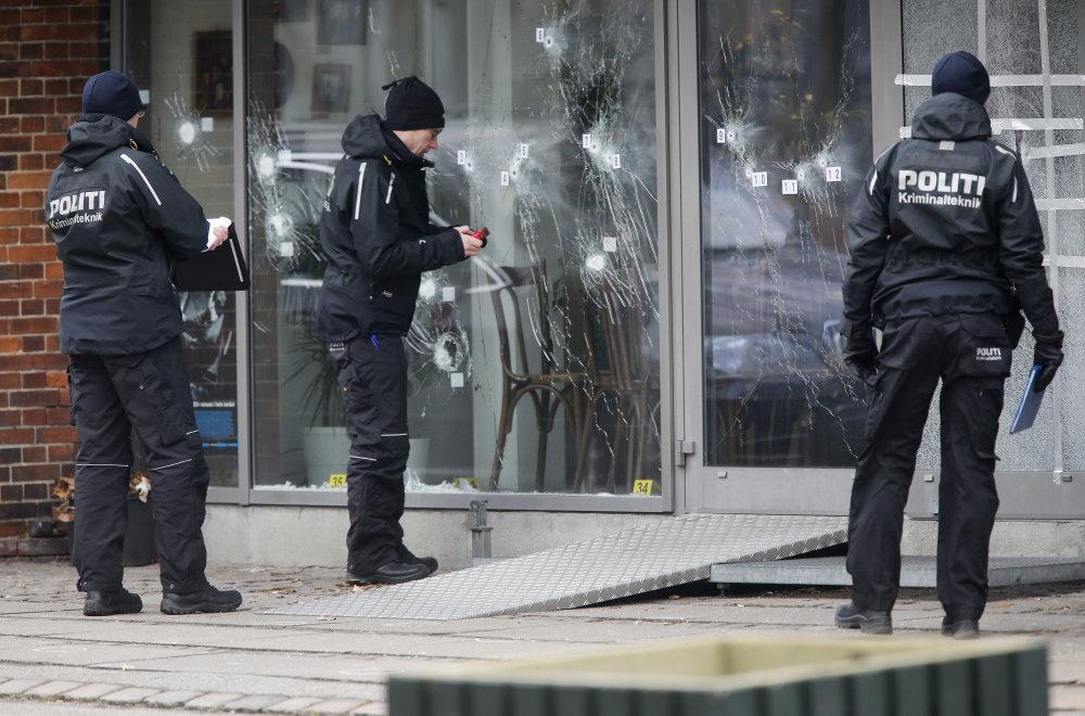 Útočník strieľal na kaviareň v Kodani. FOTO - TASR/AP