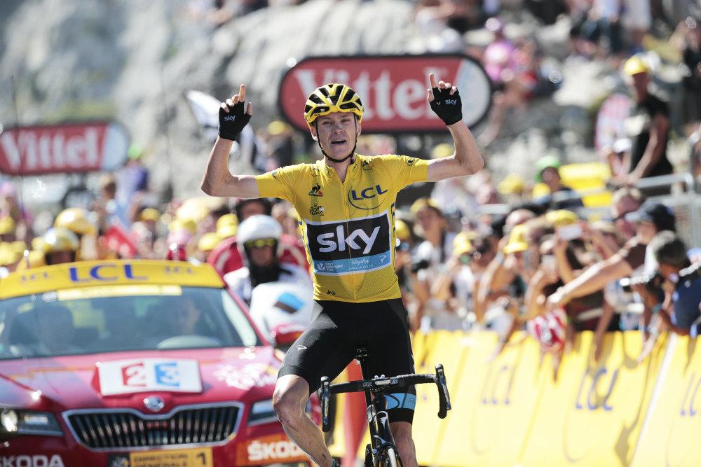 Froome sa z víťazstva na Col de la Pierre-Saint-Martin tešil. Nasledovali však dopingové obvinenia. Foto - AP