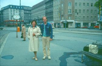 Jan Kulíšek s matkou vo Viedni 1985