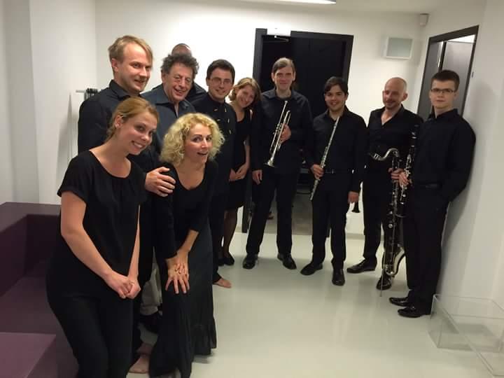 Cluster ensemble po koncerte s Philipom Glassom. Foto - Juraj Beráts.