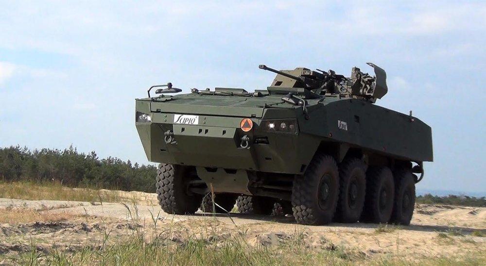 Favoritom Ficovej vlády je vozidlo Rosomak, ktorý vyrábajú Poliaci v licencii fínskej zbrojovky Patria. Foto - MO SR